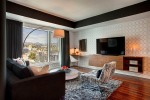 Desirable Interior Design Achieved In An Elegant And StylishApartment