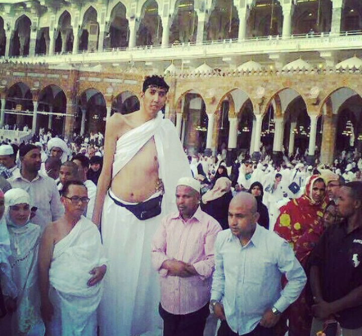 Tallest man performing Hajj